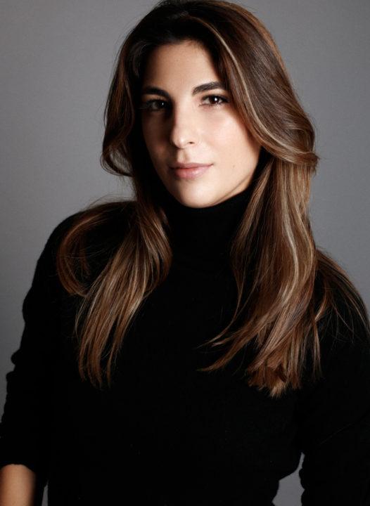 Laura Mello Photo 1