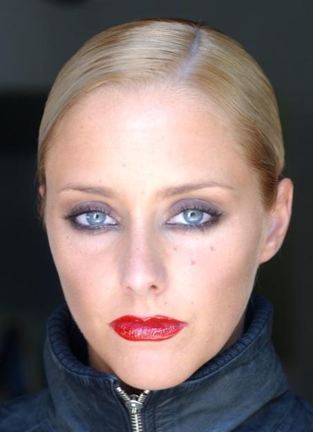Julie Nicolet Photo 5